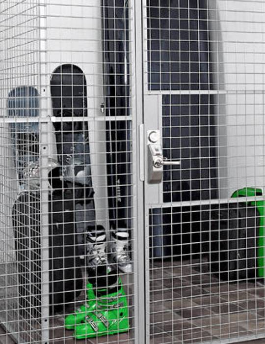 Steel & mesh partitioning
