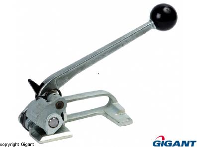 Strap adjuster for steel strap flat goods